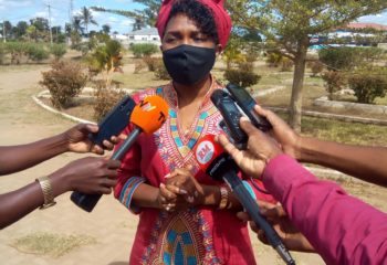 Secretary of State of Sofala Province, Ms Stela Zeca, speaking to the media during the visit to Buzi district